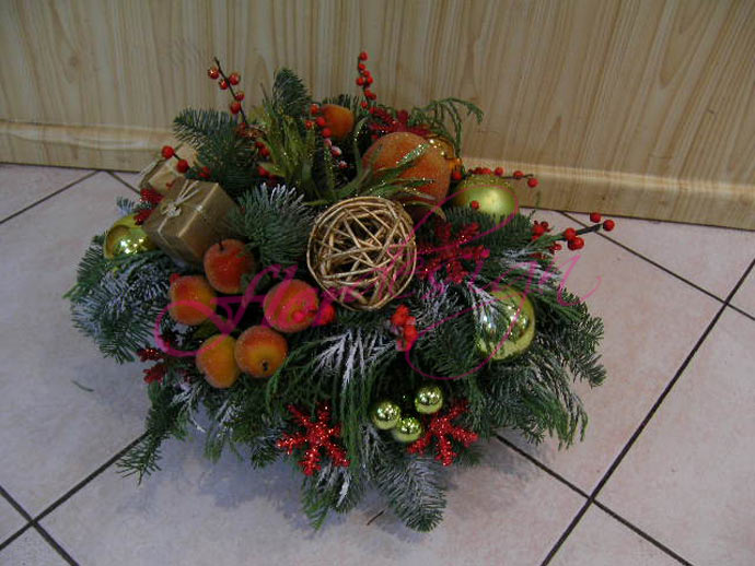 Новогодний букет из цветов своими руками